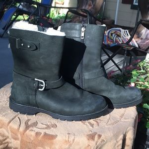 Ugg short black boots with zippers and buckles